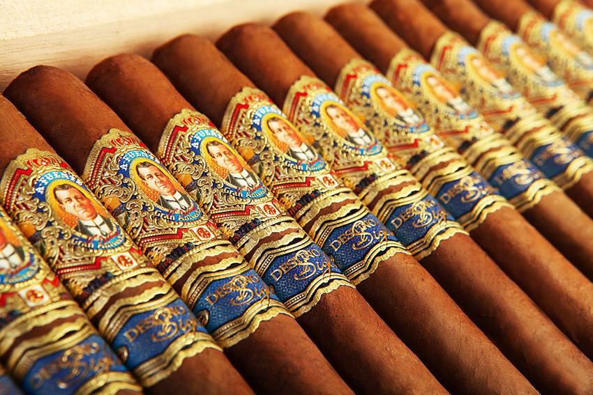 سیگار آنیورزاریوو دن آرتورو Anniverxario Don Arturo